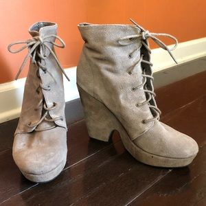 Suede leather platform lace up boot